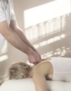 Osteopathie Plathner - Anwendungsbeispiele bei Erwachsenen © Nikki Zalewski - Fotolia.com
